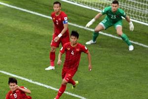 Dù lọt lưới 5 bàn, Văn Lâm vẫn lọt top 5 thủ môn 'xuất thần' tại Asian Cup 2019