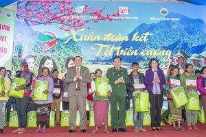 Phó Chủ tịch nước Đặng Thị Ngọc Thịnh tham dự chương trình 'Xuân đoàn kết, Tết biên cương'