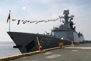 Philippines lần đầu tiên điều tàu chiến tới Trung Quốc làm gì?