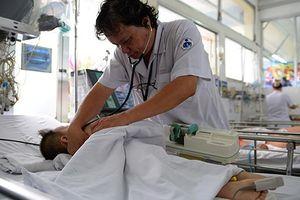 Phụ huynh e dè với vắc xin mới, bác sĩ lo ngay ngáy