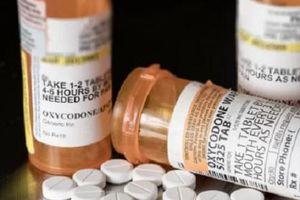 Sử dụng opioid trong khi mang thai có thể khiến trẻ sinh ra có ruột nằm ngoài cơ thể