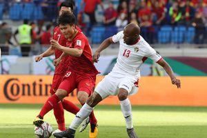 CĐV Đông Nam Á hết mình cổ vũ Việt Nam thắng Nhật Bản