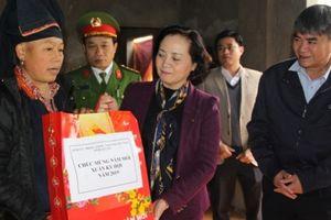 Bí thư tỉnh Yên Bái thăm và chúc tết các hộ nghèo