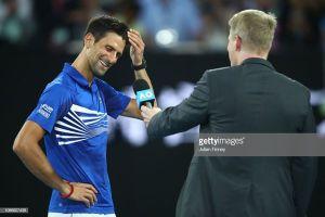 Tứ kết Australia mở rộng: Djokovic vừa hay, vừa may, Serena bị loại