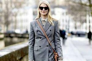 Chiêu mix váy len với áo khoác đẹp lạ cho mùa lạnh