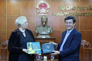 Khai thác tiềm năng giáo dục giữa Việt Nam với Litva, Urugoay