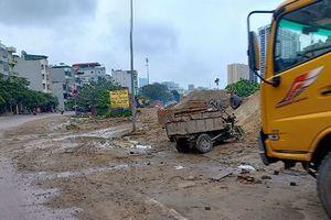 Hà Nội: Nghĩa trang bị lấn chiếm làm bãi tập kết vật liệu xây dựng