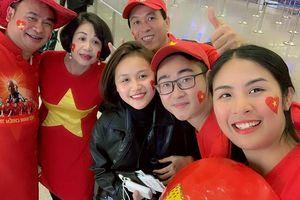 Hoa hậu Ngọc Hân thiết kế áo dài 'độc', sang Dubai cổ vũ tuyển Việt Nam