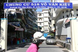 TP Hồ Chí Minh khẩn trương di dời người dân ra khỏi chung cư bị nghiêng lún nguy hiểm