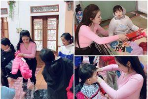 Á hậu Thư Dung trích cát xê quảng cáo tặng quà tết tại Cô nhi viện Thánh An Bùi Chu
