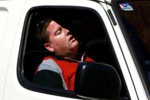 Cơn buồn ngủ sau tay lái