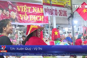 Tiểu thương Đà Nẵng cổ vũ đội tuyển Việt Nam