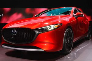 Mazda3 2019 mở bán, giá thấp nhất 486 triệu đồng
