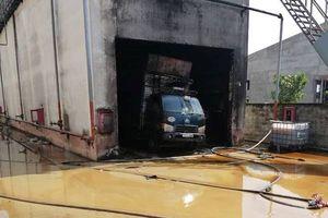 Sau tiếng nổ lớn, công ty ở Bình Dương cháy dữ dội, 4 người thương vong