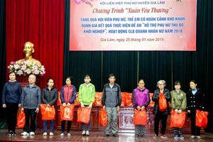Huyện Gia Lâm thăm, tặng quà Mẹ Việt Nam Anh hùng và người cao tuổi