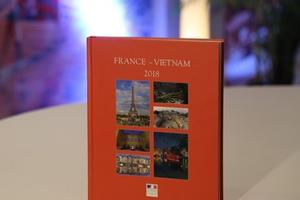 Ra mắt ấn phẩm đặc biệt kỷ niệm tình hữu nghị Pháp - Việt Nam