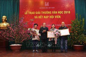 Không có tác phẩm thơ, văn xuôi giành giải thưởng văn học 2018
