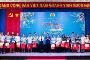 Chủ tịch Quốc hội dự 'Tết sum vầy' với công nhân Bình Dương
