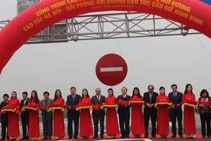 Thủ tướng cắt băng thông xe cầu Hưng Hà và đường nối hai cao tốc lớn