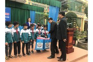 Thiên Lộc đồng hành với học sinh có hoàn cảnh khó khăn tại Nam Định