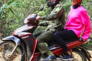 H'Hen Niê đi xe máy đón Tết ở Sơn La khiến dân mạng quốc tế thích thú