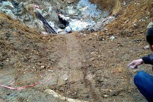 Phóng viên TTXVN bị đe dọa, hành hung tại hiện trường khai thác quặng trái phép
