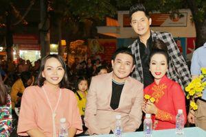 Minh Luân, Trịnh Kim Chi, Hoàng Phúc cùng nhiều nghệ sĩ đi phát quà tết cho người nghèo
