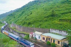 Đường sắt Bắc-Nam thông tuyến sau sự cố tàu khách SE1 trật bánh