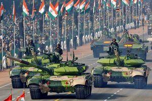 Ấn Độ phô diễn dàn vũ khí 'khủng' trong lễ duyệt binh