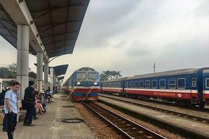 Bình Thuận: Một đoàn tàu trật bánh, giao thông đường sắt tê liệt nhiều giờ