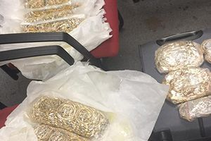 Nữ cựu tiếp viên hàng không vào tù vì buôn lậu vàng