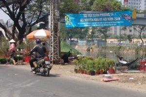 23 Tết, lần đầu tiên chợ hoa bến Bình Đông vắng như... chùa Bà Đanh