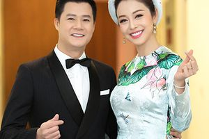 Jennifer Phạm tươi rói bên chồng cũ Quang Dũng tại sự kiện