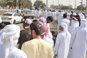 Hoàng tử UAE mua toàn bộ vé, ngăn CĐV Qatar tới sân!