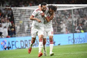 Hoàng tử UAE 'bao' hết vé trận bán kết tặng khán giả nhà, không cho CĐV Qatar vào sân