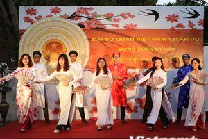 Tôn vinh bản sắc Việt trong ngày Tết cộng đồng tại Ấn Độ