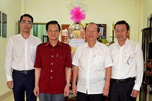 Phó Chánh án TANDTC Lê Hồng Quang chúc Tết gia đình các nguyên lãnh đạo TANDTC, TAQSTW