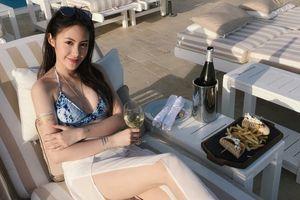 Cuộc sống giàu có đáng ngưỡng mộ của hot girl Lào gốc Việt ở tuổi 22