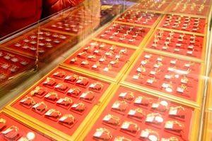 Giá vàng châu Á chạm ngưỡng cao nhất trong vòng 7 tháng qua