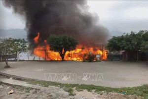 Hỏa hoạn thiêu rụi nhà bè tại Vân Đồn
