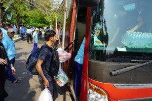 Khách mua vé tàu SE22 TP.HCM sẽ lên tàu ở... Bình Thuận