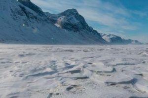 Băng tan ở Bắc Cực để lộ vùng đất chưa từng thấy trong 40.000 năm
