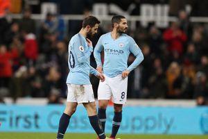 Man City bất ngờ thua trận, M.U đứt mạch trận toàn thắng
