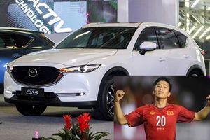Cầu thủ Phan Văn Đức U23 Việt Nam 'tậu' ô tô tiền tỷ chơi Tết