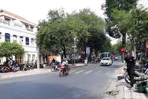 Đường Sài Gòn vắng hoe vào những ngày cận Tết