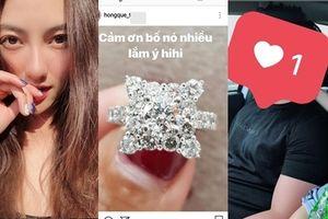 Khoe nhẫn kim cương 500 triệu bố con gái tặng, Hồng Quế tự nhủ: 'Cũng bõ công đẻ đau'