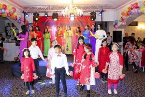 Cộng đồng người Việt tại Romania tưng bừng đón Xuân 2019