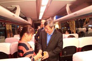 Hà Nội đưa 1.600 công nhân về quê ăn tết