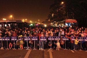 Hàng trăm chuyến xe miễn phí đưa công nhân về quê đón Tết