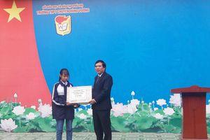 Nữ sinh lớp 10 'vượt cấp' xuất sắc giành giải nhì HSG quốc gia